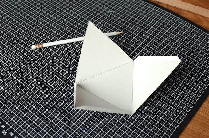 Adventskalender Pyramidengletscher - Pyramide eingeritzt und gefaltet