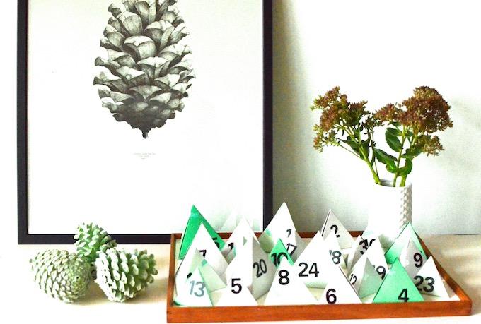 der sch nste adventskalender diy kalender aus pyramiden. Black Bedroom Furniture Sets. Home Design Ideas