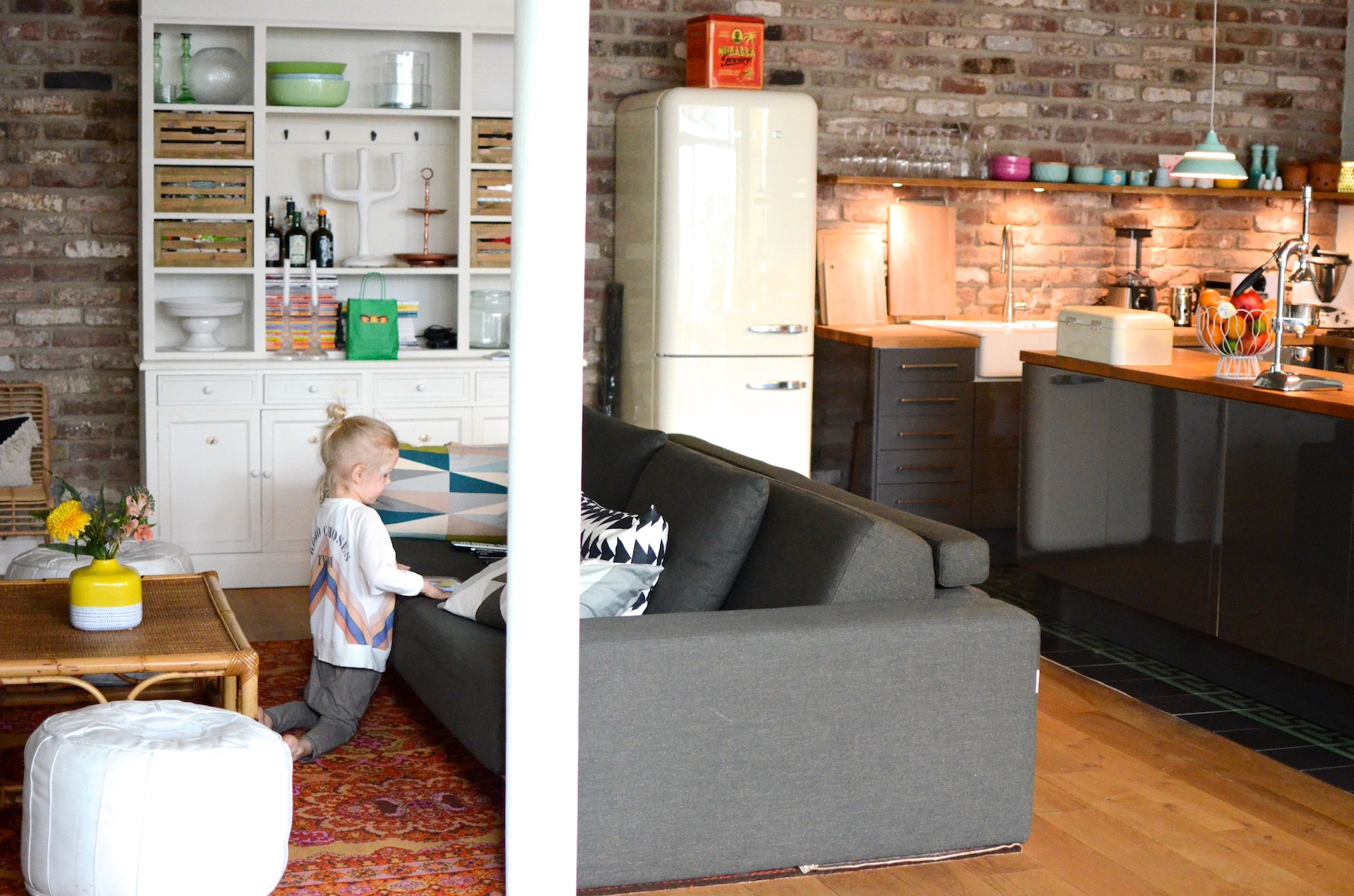 Wohnküche offene Küche SMEG Kühlschrank